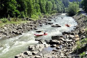 Рафтинг по Чорному Черемоші - для підкорювачів водної стихії!
